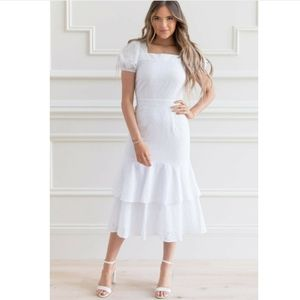 NWT RACHEL PARCELL   Tiered Eyelet Dress